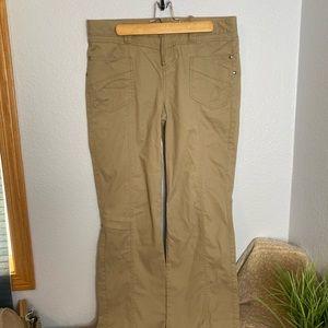 Athleta size 10 tan cargo style pants